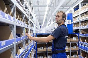 Vraag whitepaper magazijnautomatisering aan